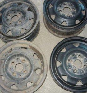 Штампованные диски на ауди 80 б3