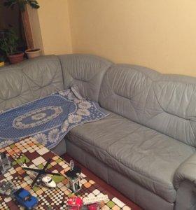 Продаётся диван натуральная кожа .