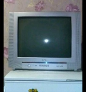 Огромный телевизор в отличном состоянии