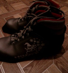Ботинки для лыж-33 размер