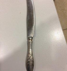 Ножи мельхиор с посеребрённой ручкой.