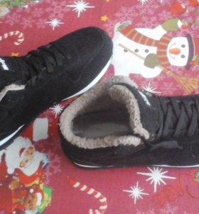 Новые! Теплые ботинки