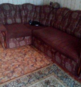 Диван угловой+ кресло1 возможен торг