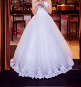 Продам белоснежное свадебное платье