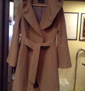 Пальто 46-48 новое.