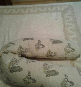 Подушка для береммых и кормления .