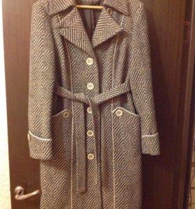 Пальто демисезонное 52