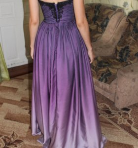 Потрясающее вечернее платье