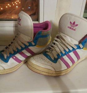 Кроссовки Adidas  оригинал женские