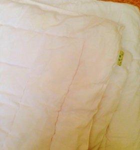 Белое детское одеяло на синтипоне.