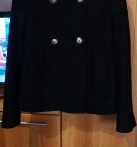 Пальто осеннее женское .
