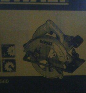 Дисковая пила DeWALT 1350вт DWE560