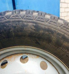 Продаётся зимний комплект колёс