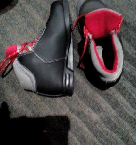 Ботинки лыжные Larsen