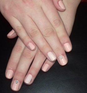Маникюр и покрытие ногтей гель-лаком (shellac)