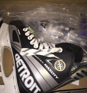 Коньки хоккейные р 34 новые
