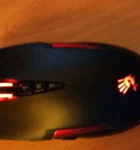 Игровая мышь с небольшой подсветкой