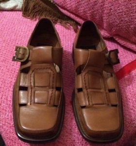 Туфли новые ,одевали один раз (кожаные)