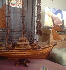 Модель корабля брик. Полностью из дерева.