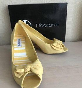 Туфли летние T. Taccardi новые