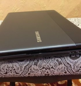 Ноутбук Samsung NP300e
