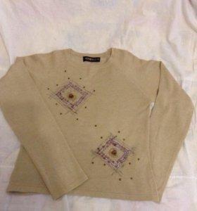 Бежевый свитер р.46-48