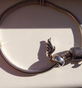 Pandora браслет и шарм