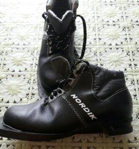 лыжные ботинки Nordik р. 35