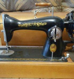 Швейная машинка ручная СССР