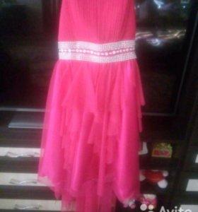Продам выпускник платье