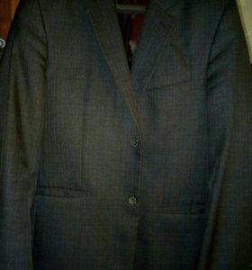 Мужской костюи