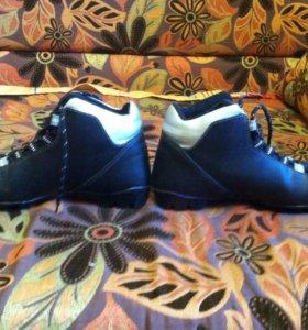 Лыжные ботинки 40 -ого размера