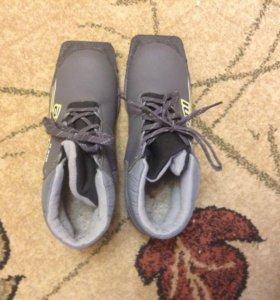 Ботинки лыжные 38 размера контакт 89207602439