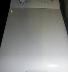 Стиральная машина Zanussi.