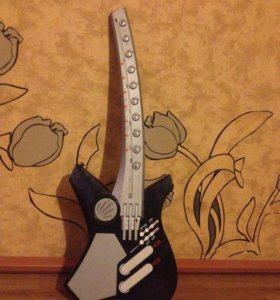 Игрушка-гитара (на баторейках)