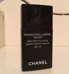 Тональный флюид Chanel