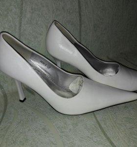 Туфли кожанные (белые)