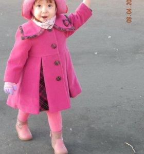 Кашемировое пальто и шляпка вязанная на 2-3 года