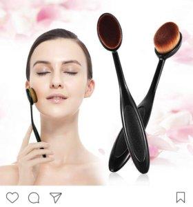 Щеточка для макияжа