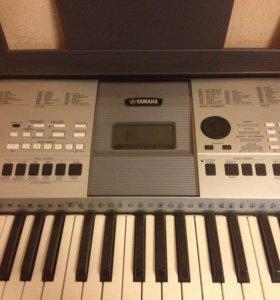 Синтезатор Yamaha PSR E 413 с подставкой Soundking