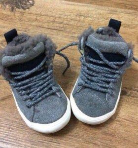 Продам ботиночки Zara
