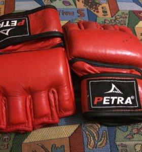 Перчатки PETRA для ММА