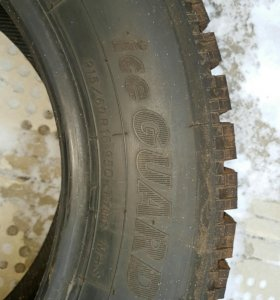 2 шины Yokohama ice guard 215/60 R16