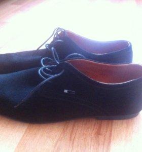 Новые мужские замшевые туфли