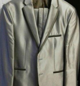 Мужской нарядный костюм (торг)