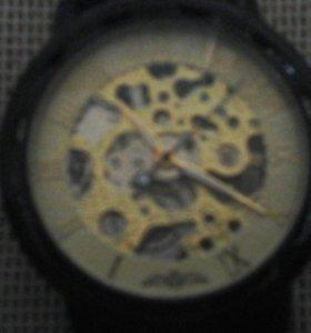 часы маханические