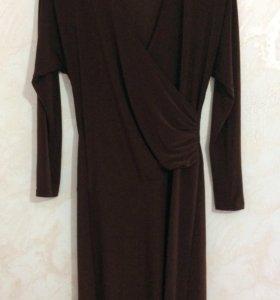 Платье из масляного трикотажа