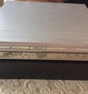 DVD проигрыватель и VHS