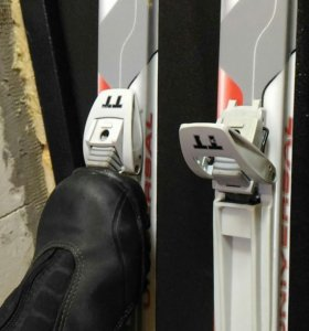 Лыжи,палки,ботинки(комплект)