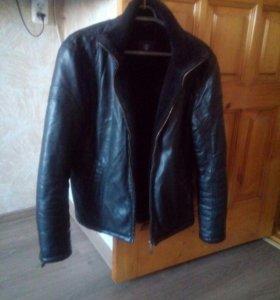 Кожанная куртка,на меху